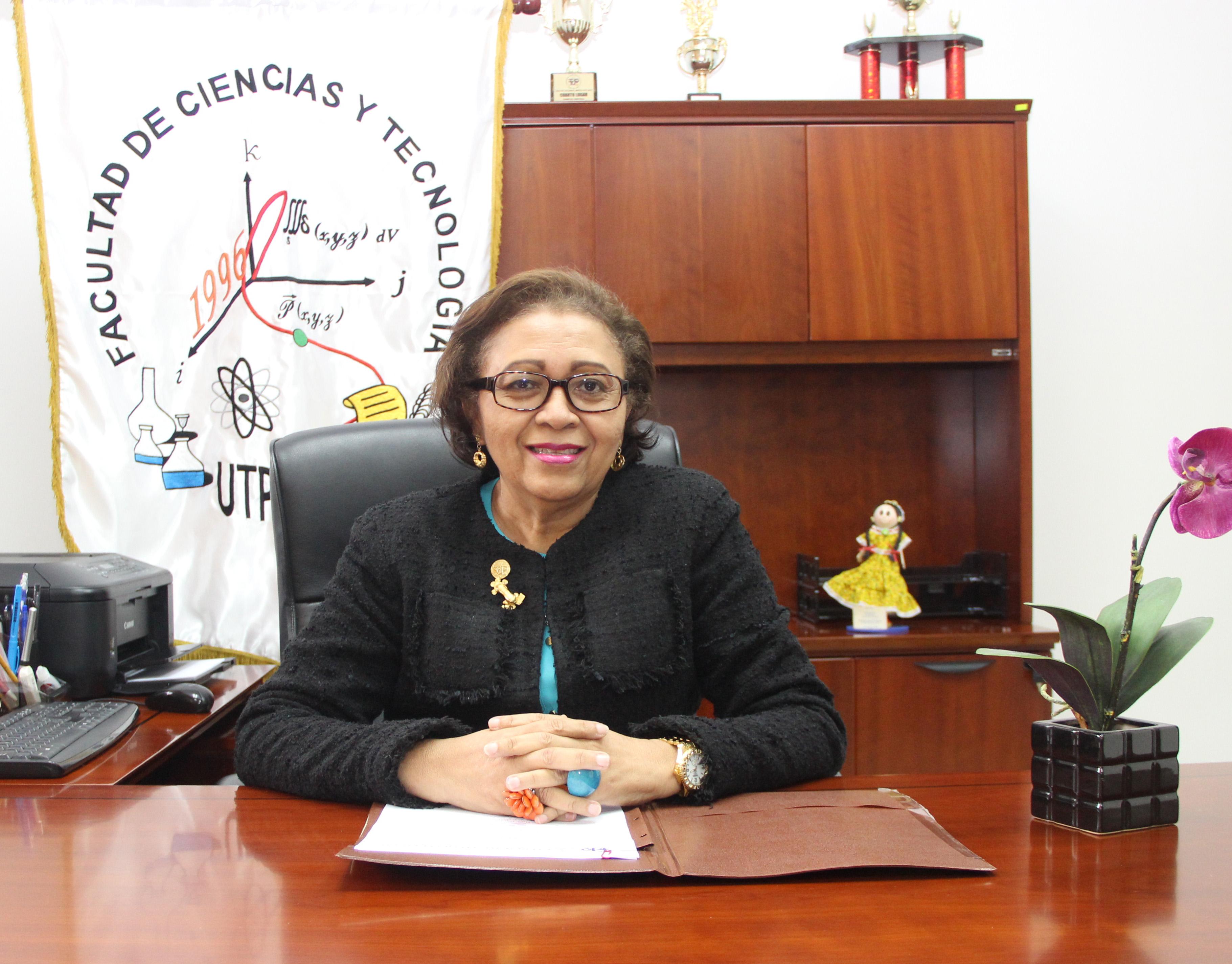 Jefa de Departamento Mgtr. Catalina González