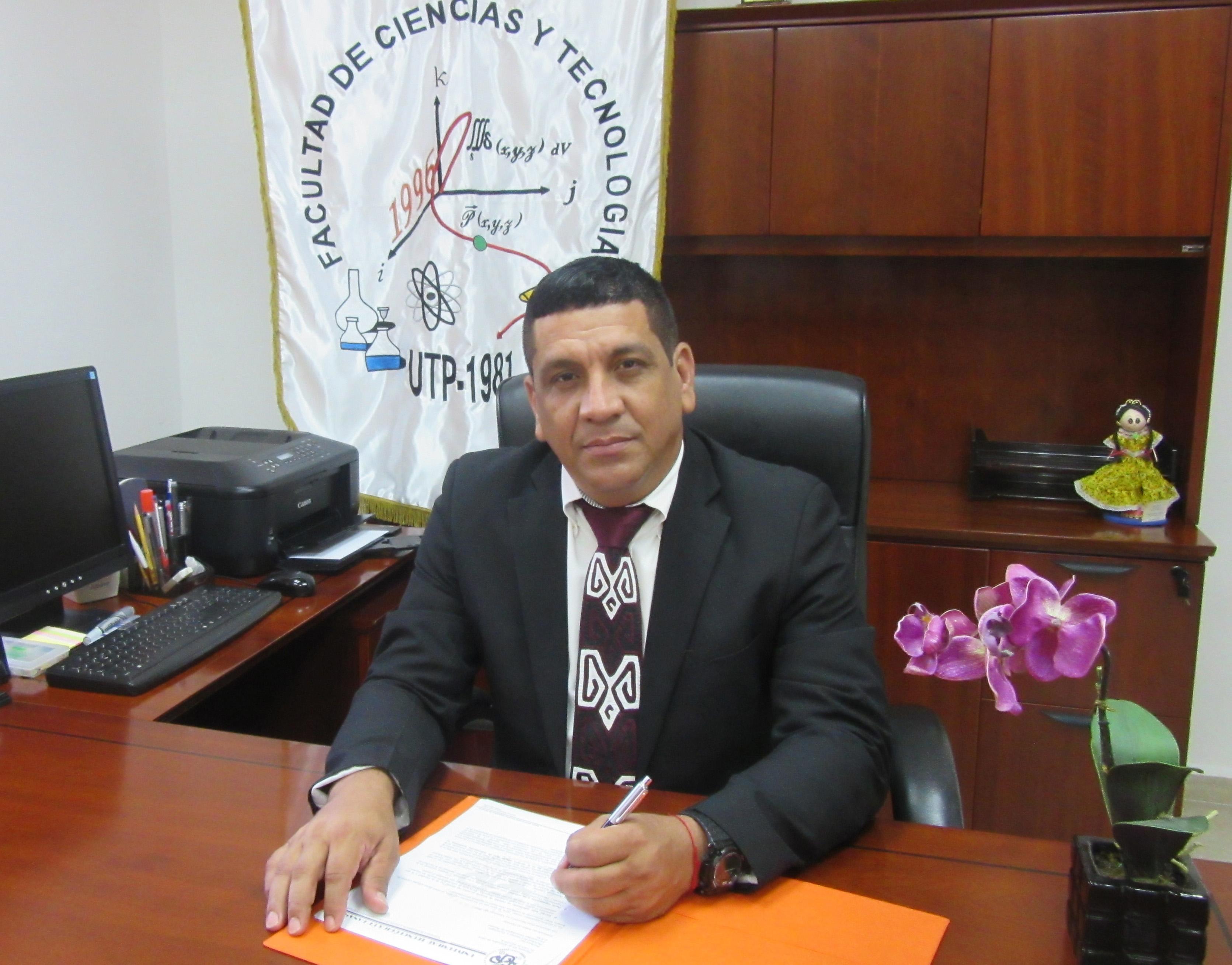Licenciatura en Comunicación Ejecutiva Bilingüe Mgtr. David Torres